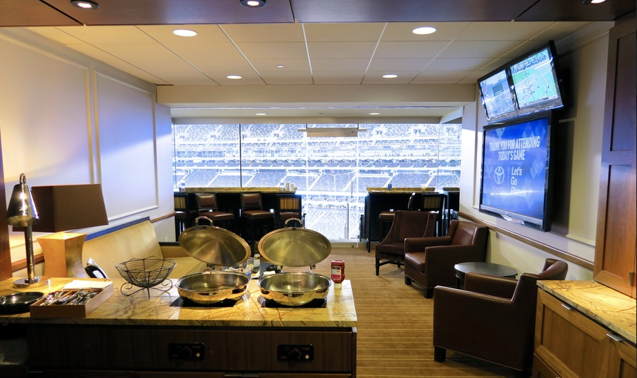 Jets VS Dolphins VIP suite