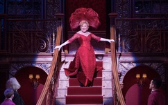 BETTE MIDLER in HELLO DOLLY!